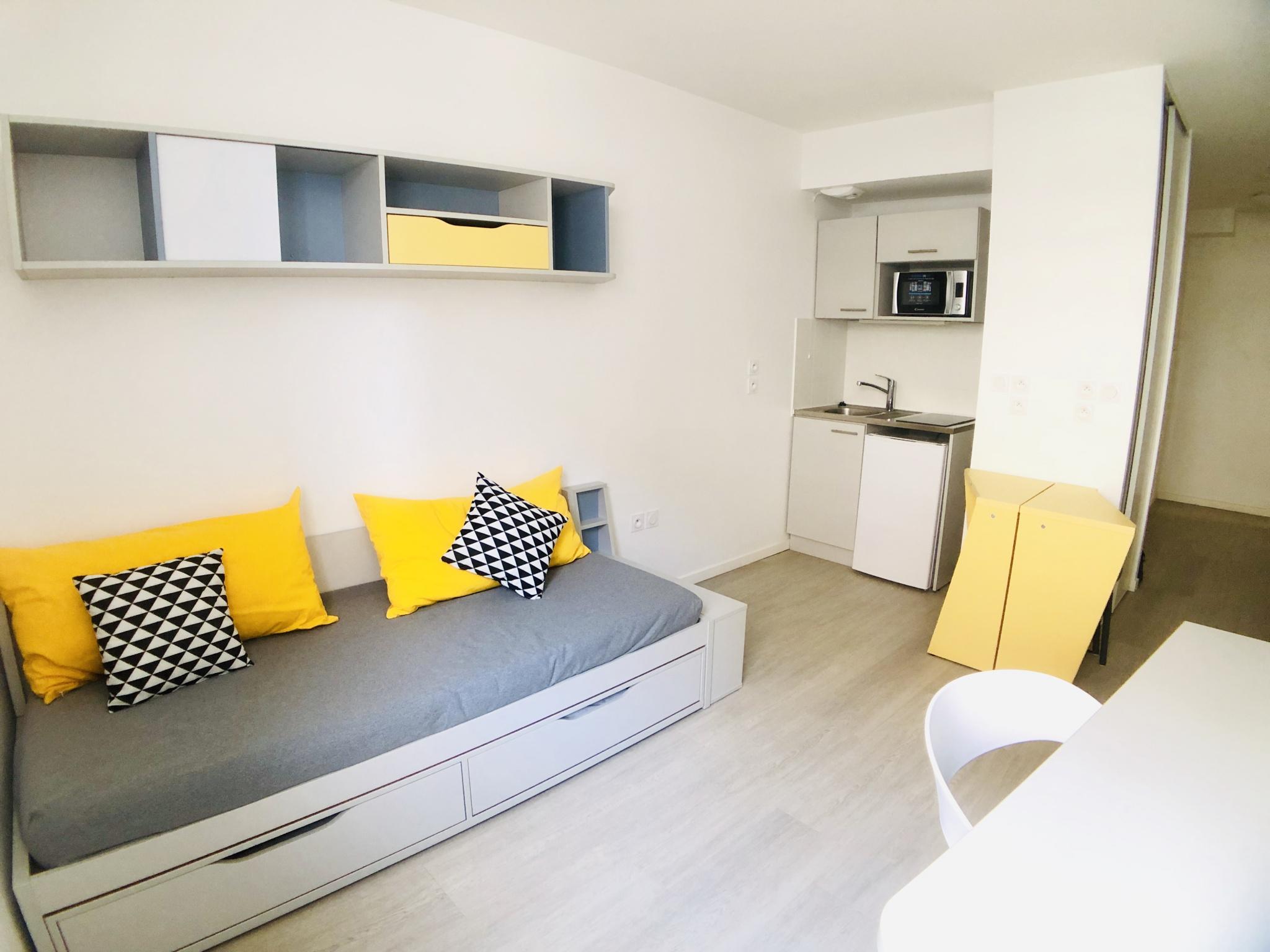 Location 13002 Quartier De La Major Studio Meuble Dans Residence Etudiante Mon Agence Constructa